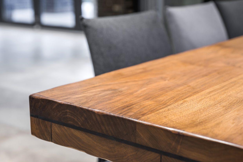¿Estás pensando en renovar las mesas de tu hotel?