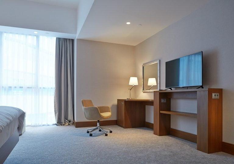 mueble fenólico tv para hotel