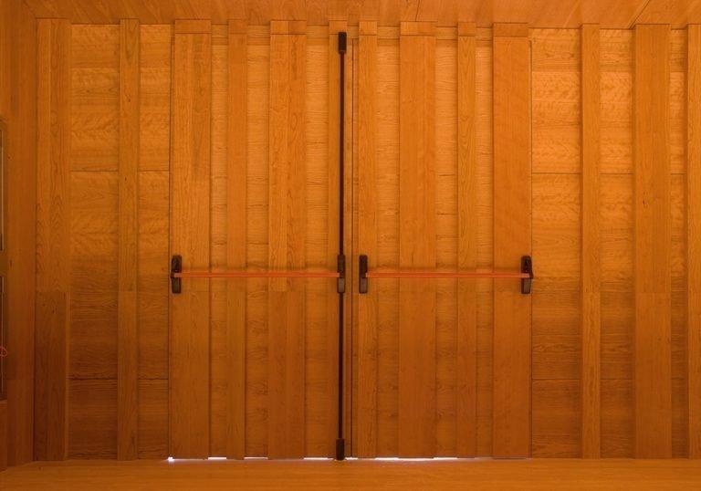 Puertas acústicas de madera